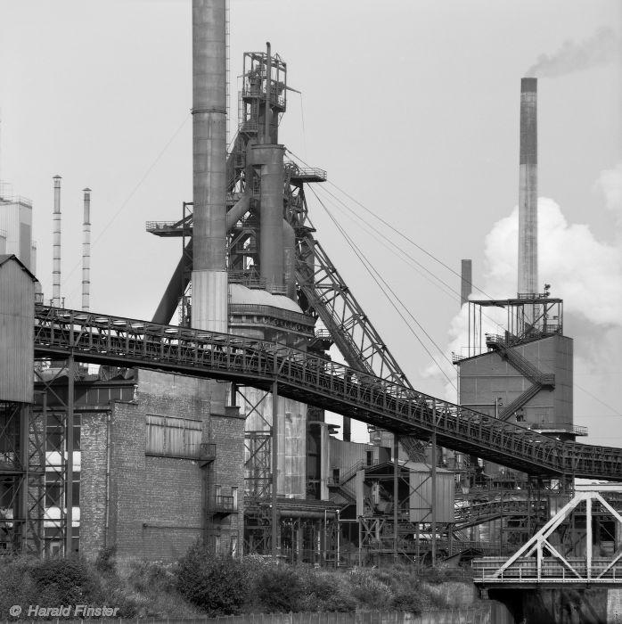 Number 7 Blast Furnace : Abandoned blast furnace nr